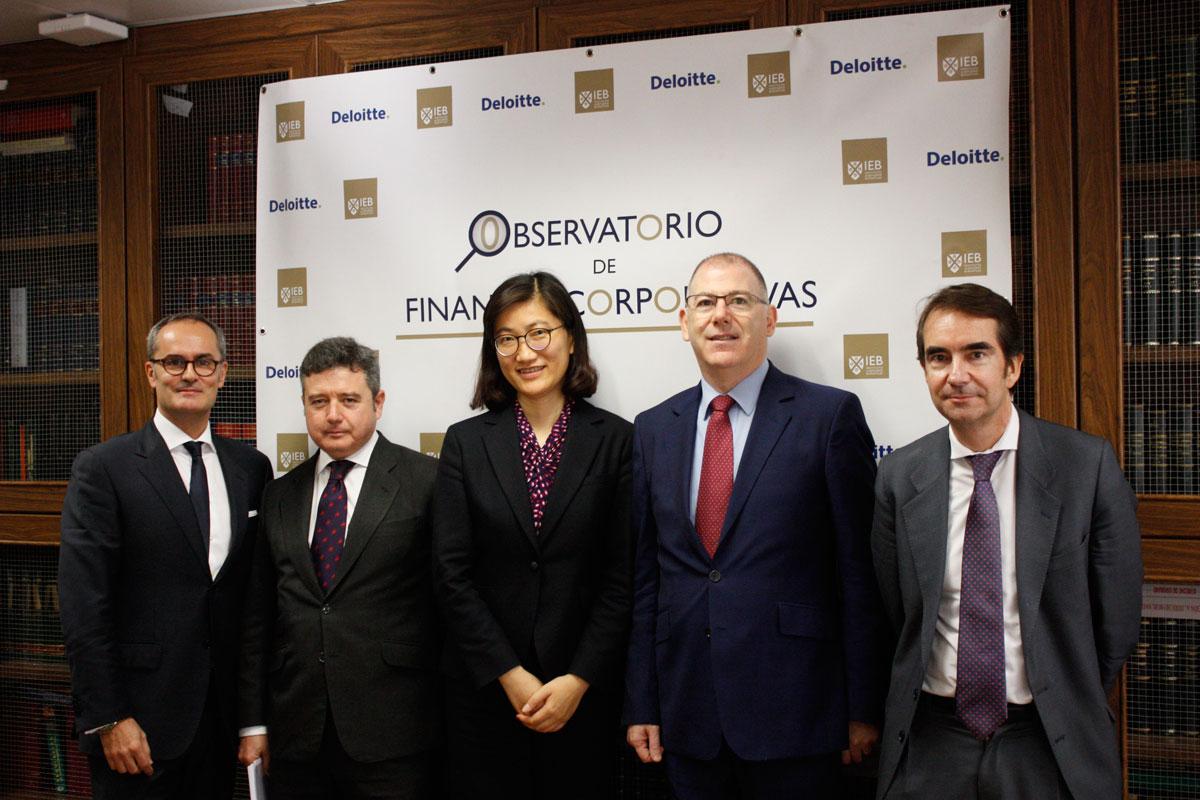 María Fernández Jiménez, Héctor Flores García y Paul Moran Sheehan, Yi-Wen Qian, Sergio Reyes