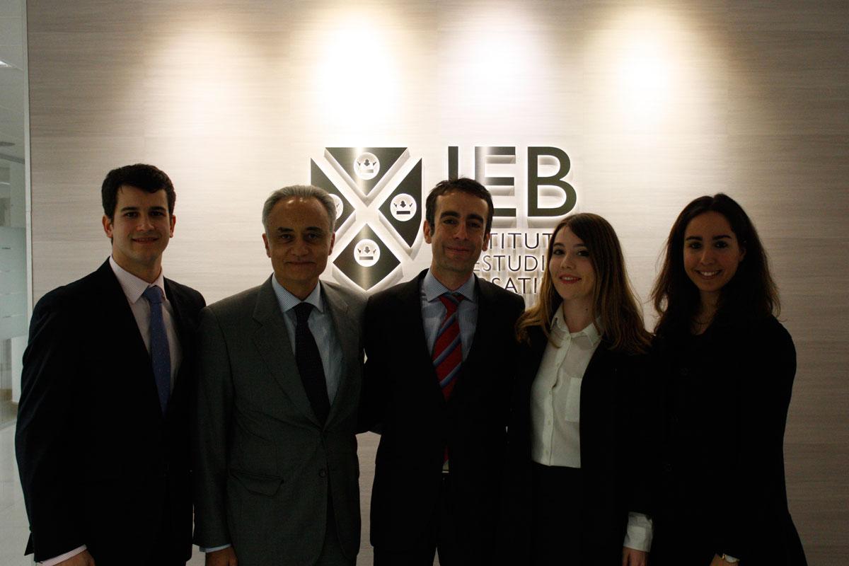 Exhibición del Consejo General del Debate Judicial en el IEB