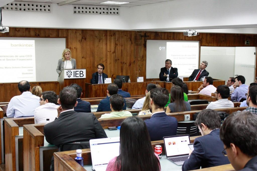 María Dolores Dancausa CEO Bankinter en el IEB